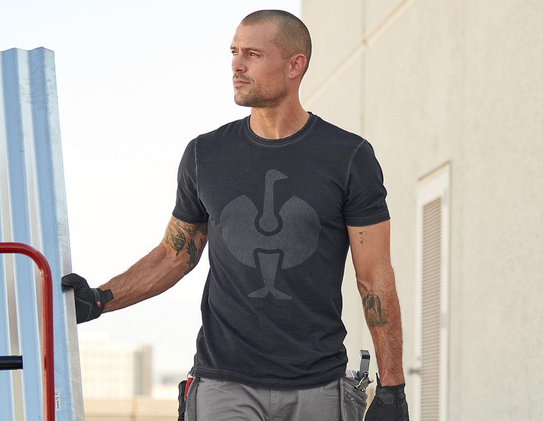 Shirts & Co.: T-Shirt e.s.motion ten ostrich + oxidschwarz vintage